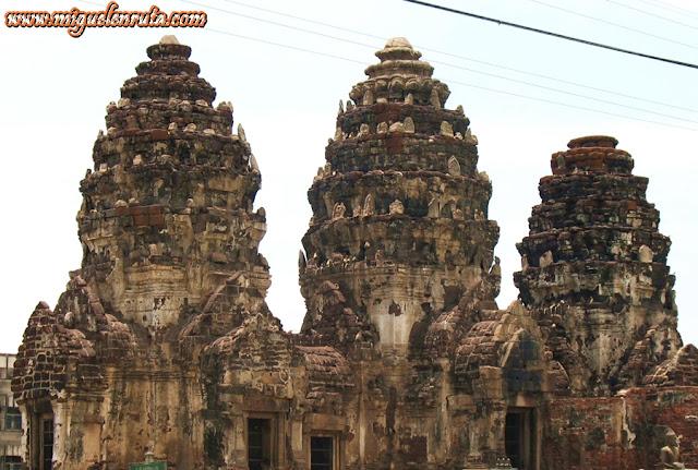 Phra Prang Sam Yot