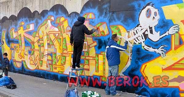 Dam y Jolich pintando graffitis en Terrassa 2015