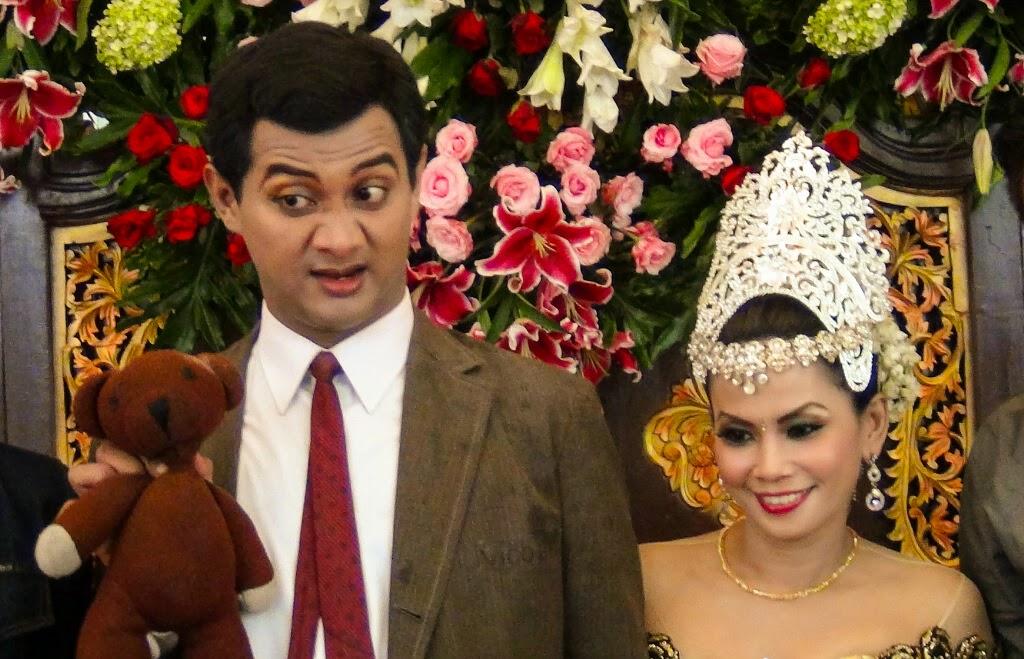 PERNIKAHAN VICO RACHMAN MR BEAN VS MURNIATI 2014 Vico Rahman Menikah Pakai Baju Mr. Bean