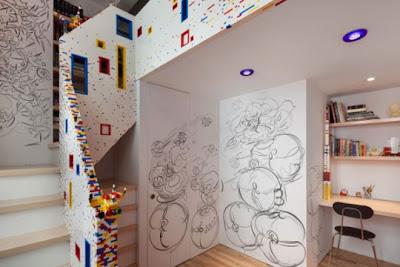 escalera hecha con lego