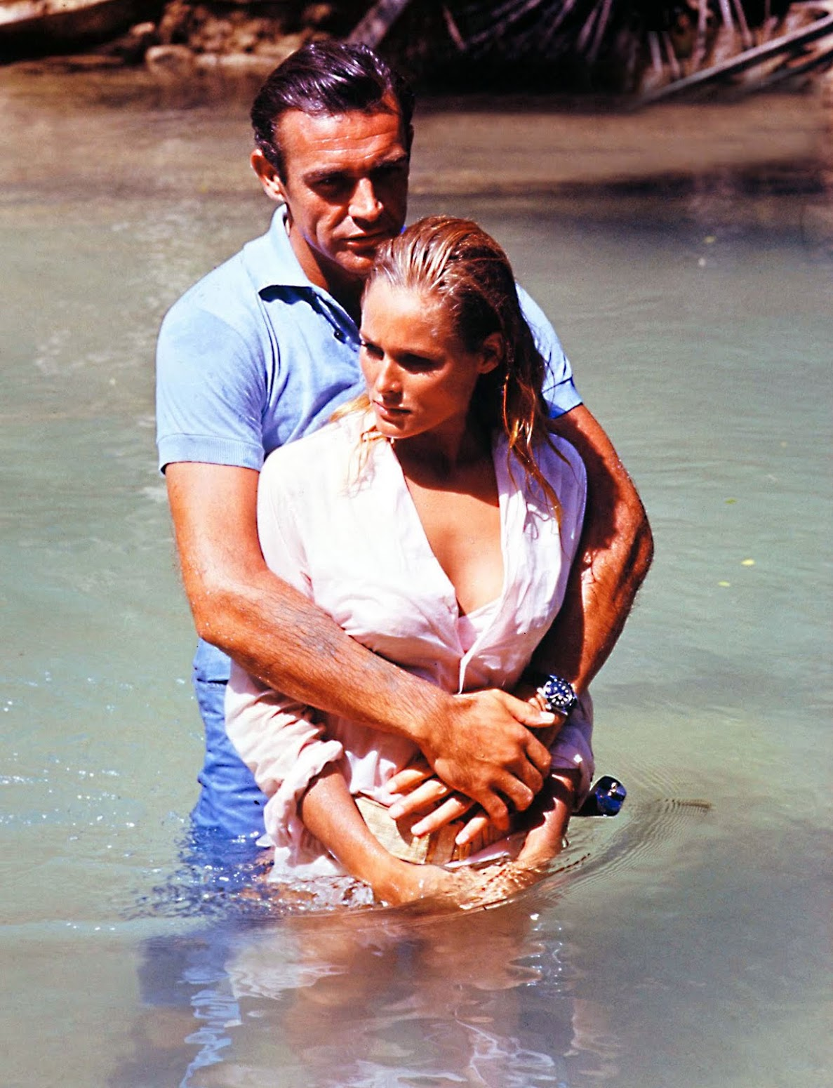 http://3.bp.blogspot.com/-_8pm1pXBw2E/Tg-7PbWcjiI/AAAAAAAAKpw/zAG3g4vPBFs/s1550/Sean-Connery-and-Ursula-Andres-Dr-No-Rolex-Submariner-Big-Crown.jpg