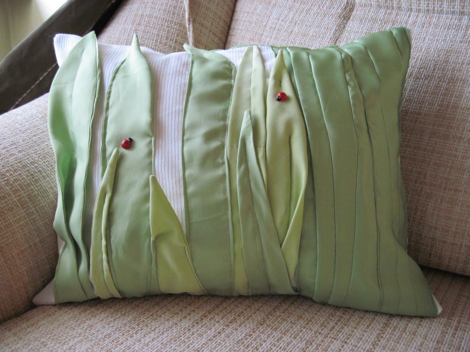Как сделать из синтепона подушку