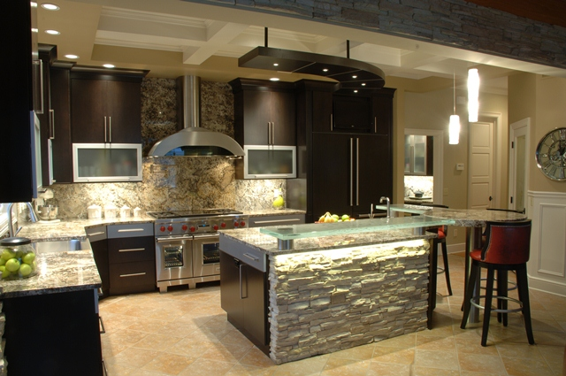 Best colors kitchens reface kitchen cabinets for Kitchen designs with espresso cabinets