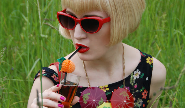 Tatty Devine, statement necklace, cocktail umbrella necklace, cat eye sunglasses