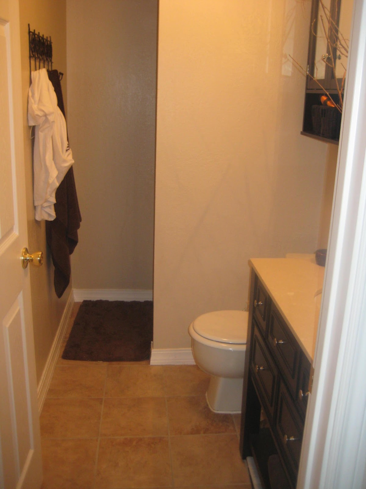 Nice girls rule nice girl small budget bathroom for Before and after small bathroom makeovers