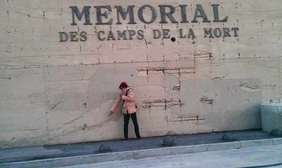 Quenelle+M%25C3%25A9morial+Camps+de+la+Mort