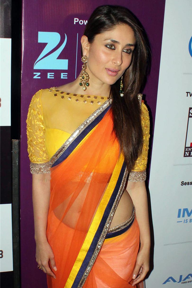 indian celebrities : kareena kapoor hot stills in saree at ficci frames