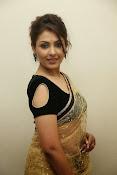 Madhu shalini sizzling pics-thumbnail-7