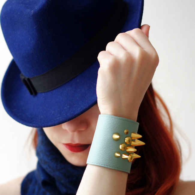 handmade spiked leather cuff by Xenia Kuhn for fashionrolla 