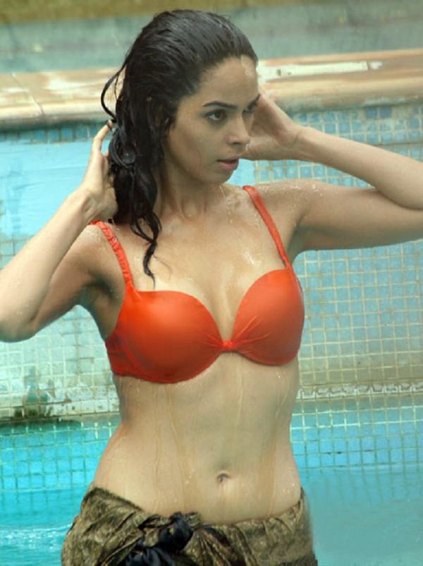 Sexy mallika pics 7