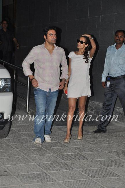 Mailka Arora short white shift dress - (2) -  Arbaaz Malaika go to see Shilpa shetty at hospital