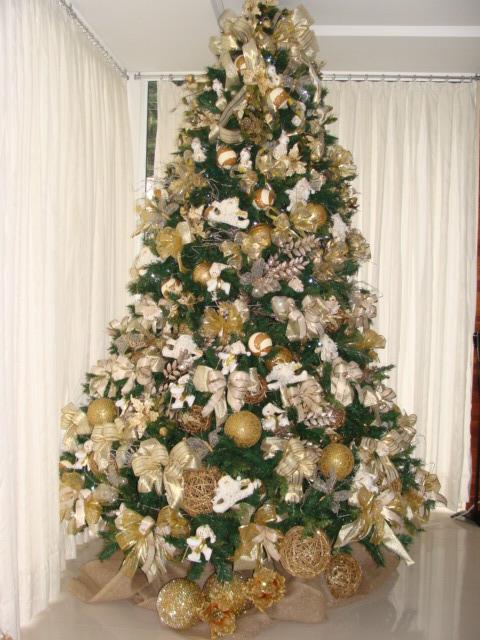 decoracao de arvore de natal azul e dourado : decoracao de arvore de natal azul e dourado:JUTA E CIA: Vamos montar uma arvore de 3 metros.demora um pouquinho