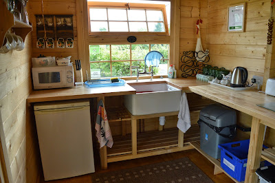 Acorn glade glamping - kitchen