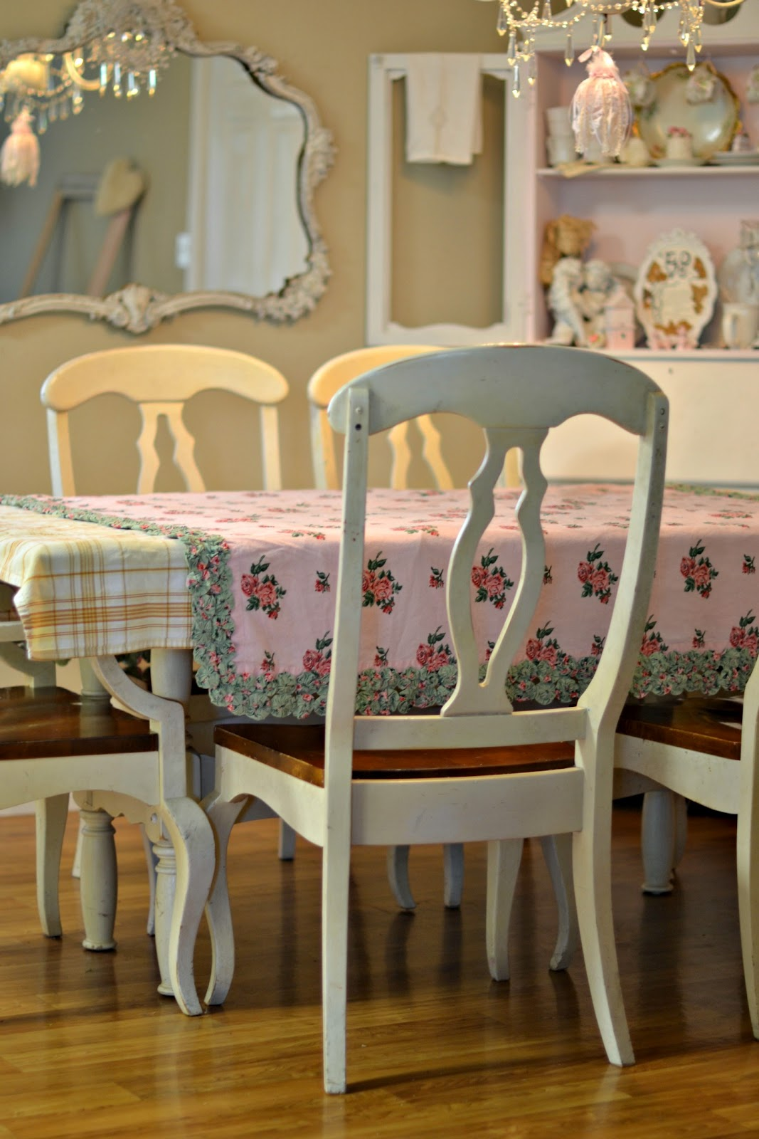 Chic decor chic love cottage dining rooms beautiful diningroom shabby chic dining - Shabby chic dining rooms ...