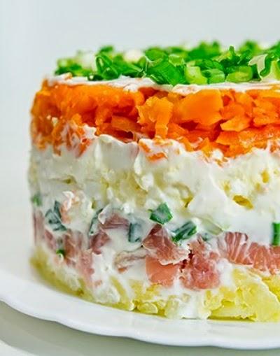 Салат из горбуши холодного копчения рецепт