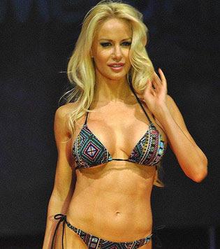 Luciana salasar pero desnuda photos 64