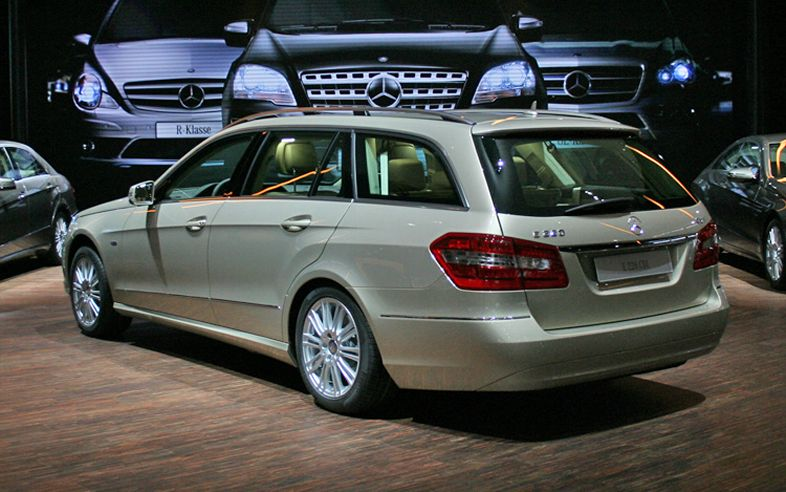 Automobile trends 2011 mercedes benz e class wagon for 2011 mercedes benz e class wagon