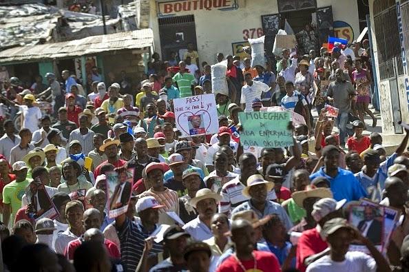 L opposition a pu finalement manifester devant le si ge de la pr sidence port au prince - Www radio kiskeya port au prince haiti com ...