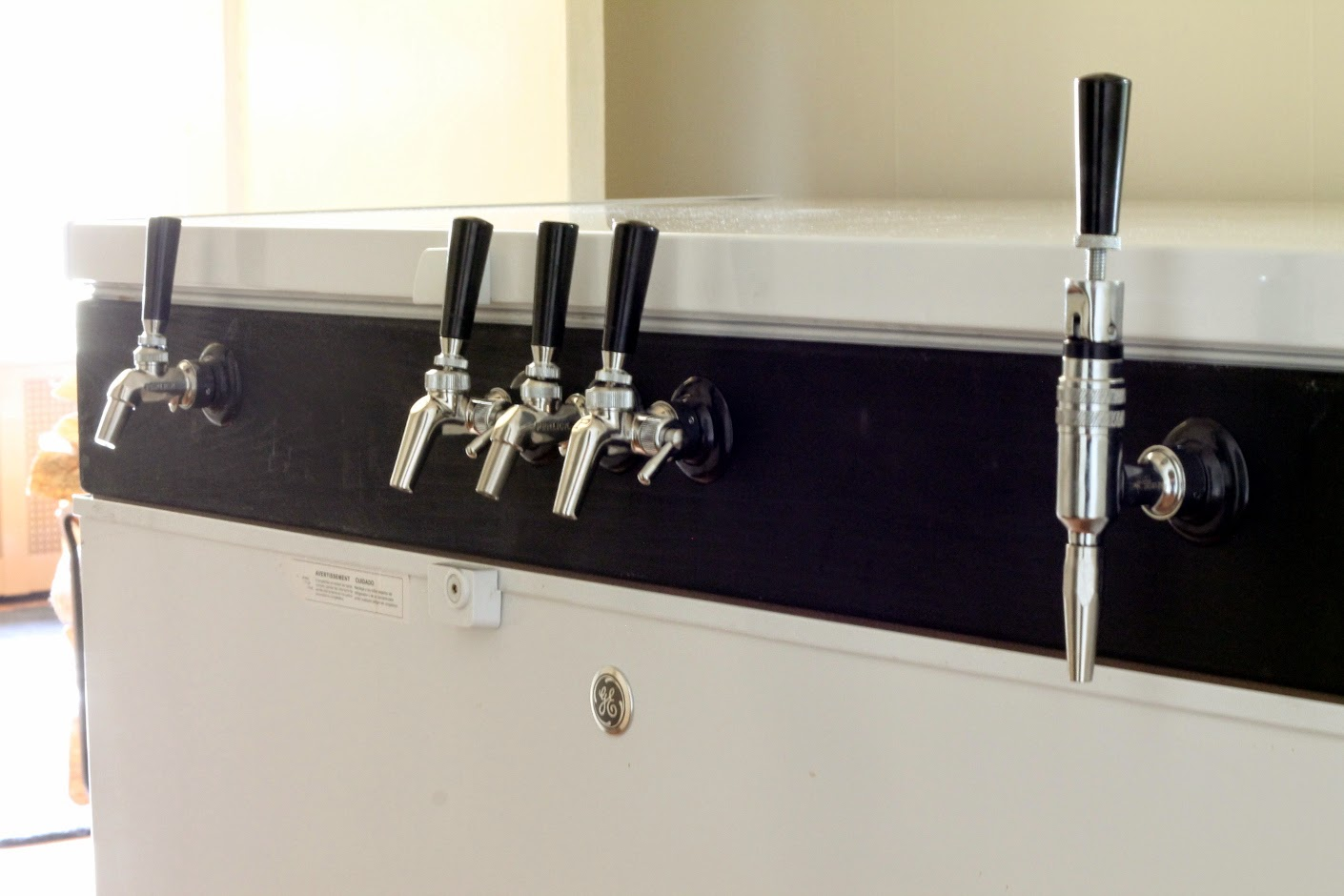 The Mad Fermentationist - Homebrewing Blog: How to Build a Keezer Collar