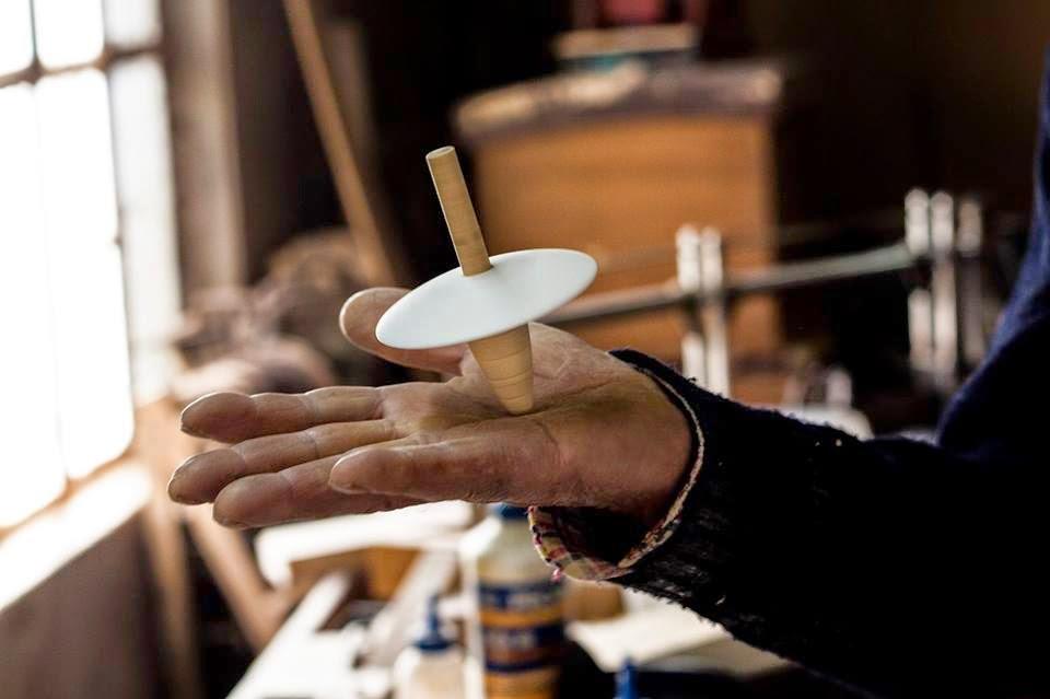 http://www.cantinhodasaromaticas.pt/loja/workshop-loja/3-workshop-de-construcao-de-brinquedos-em-madeira-19-de-abril/