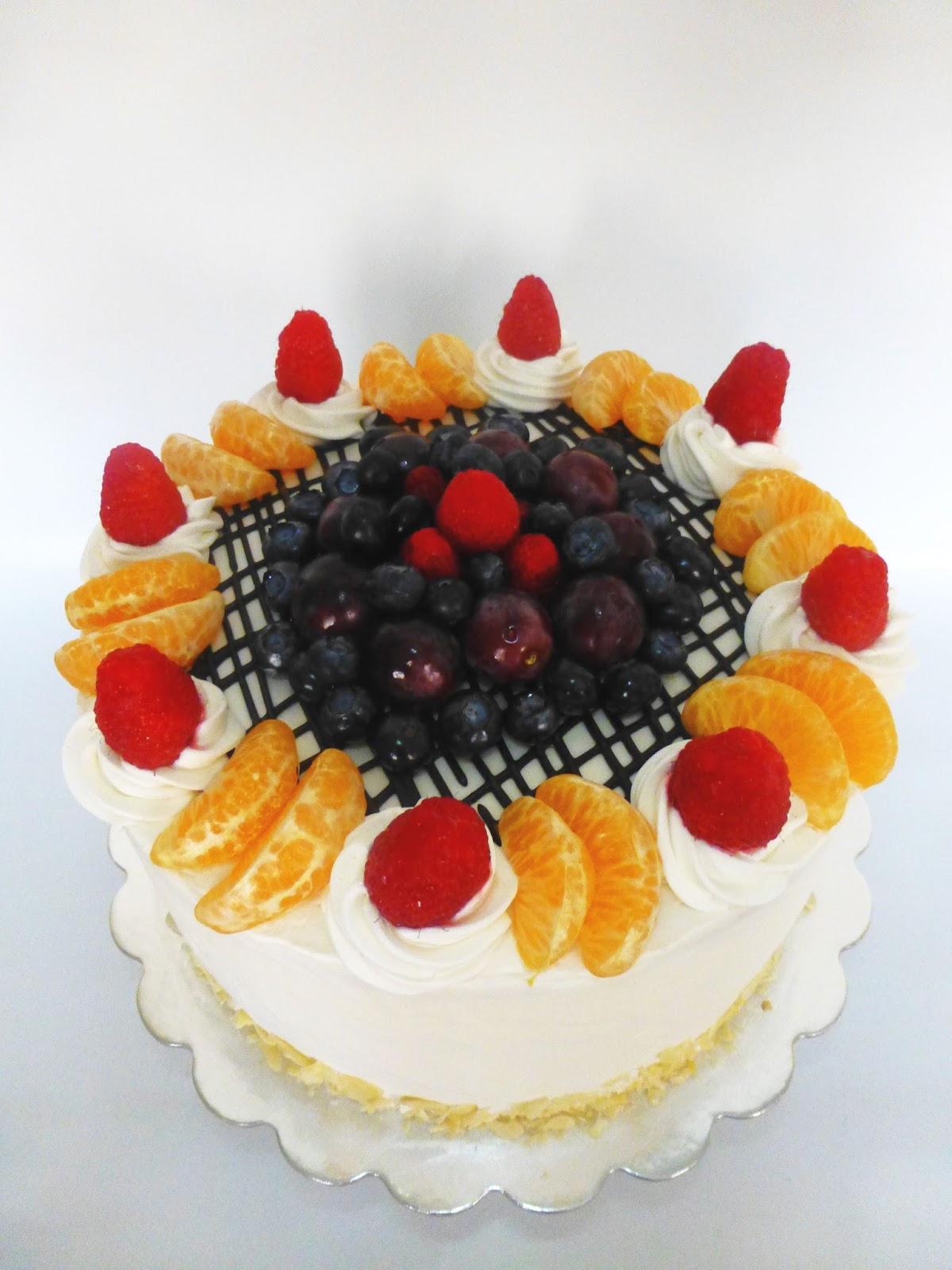 CakeSophia Vanilla cake with fruit