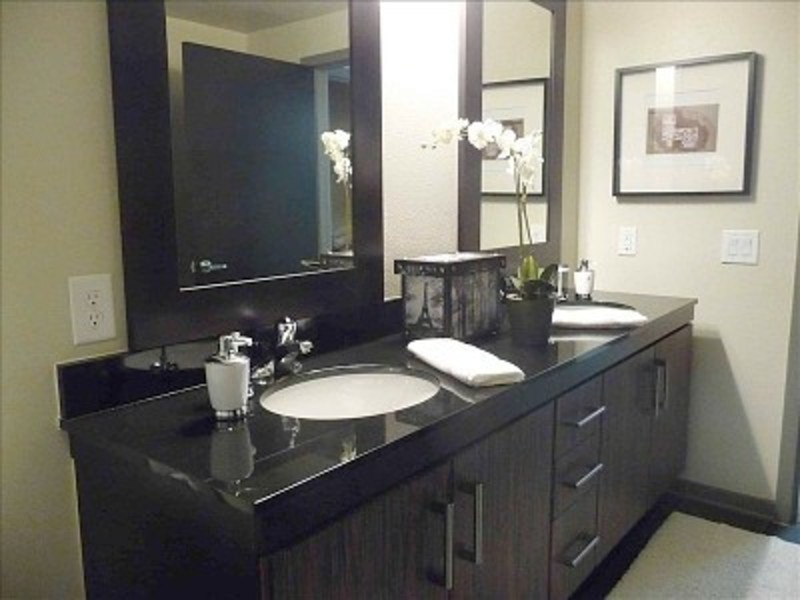 Double Sink Bathroom Vanity For Dual Capacity