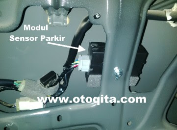 Gambar sensor mundur atau sensor parkir all new avanza