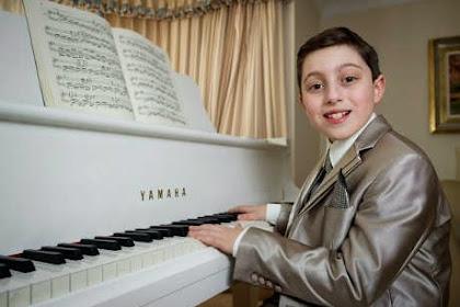 Bocah 11 Tahun Yang Telah Mendapatkan Ijazah Musik (Diploma)