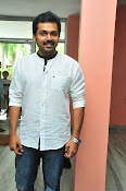 Karthi at Oopiri Pressmeet-thumbnail-3