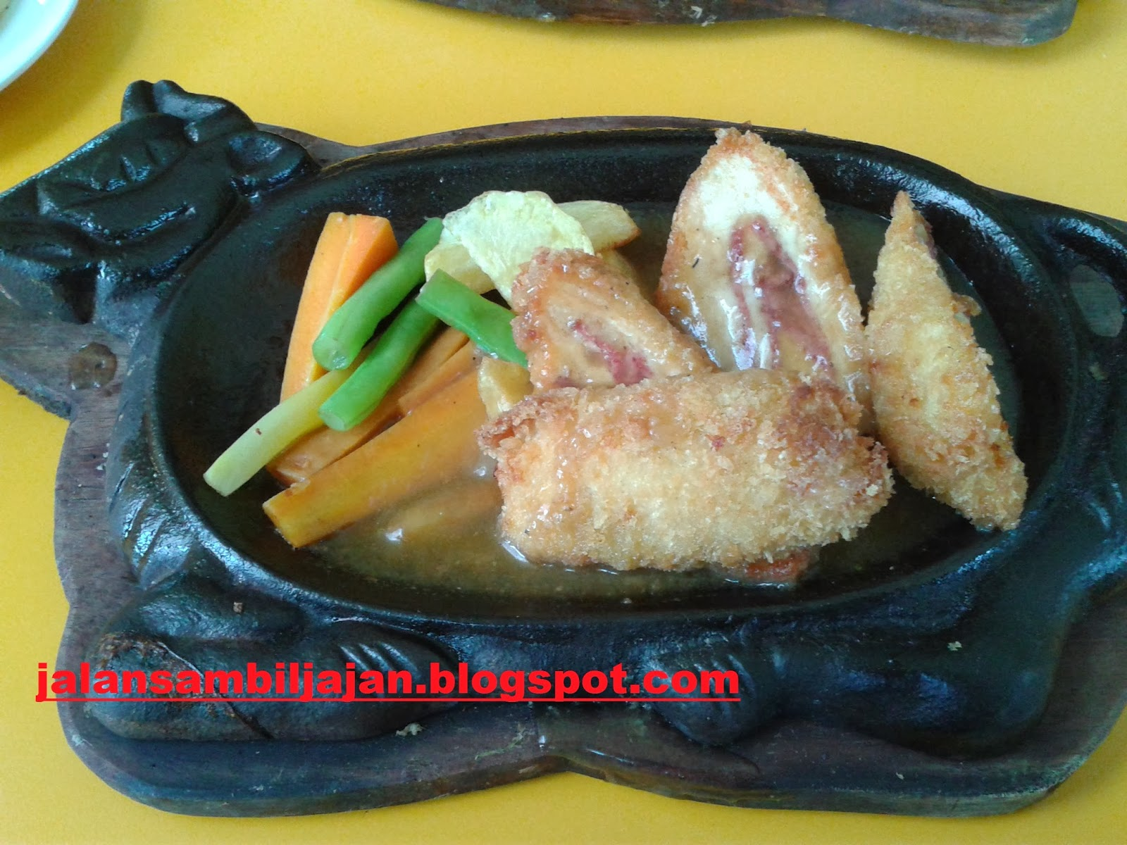 Chicken Cordon Bleu Waroeng Steak