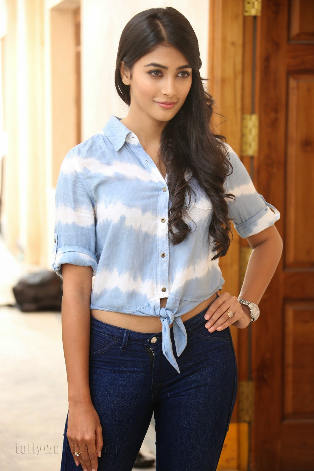 Pooja hegde gorgeous photo shoot-HQ-Photo-10