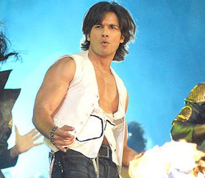 shahid kapoor in new look body  Email This BlogThis! Share to
