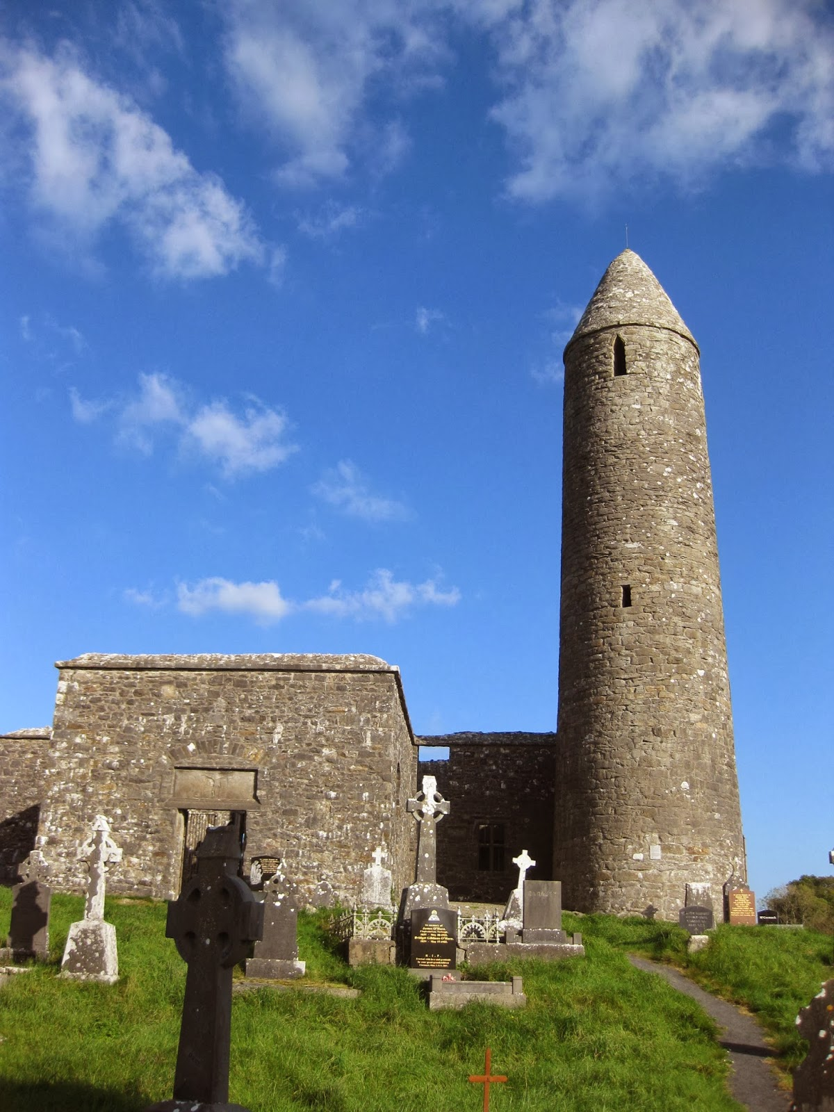 Turlough Burial Ground, Turlough Round Tower