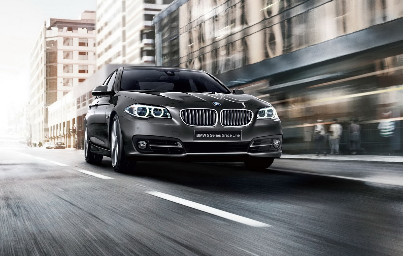 Bmw Graces Japan With A Special Edition 5 Series Featuring