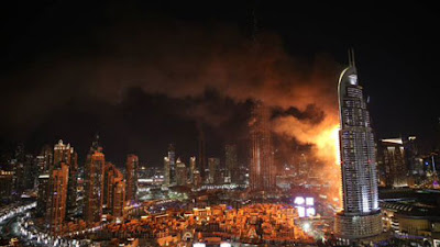 Address Downtown, пожар фасада, горит вентилируемый фасад, Адрес Даунтаун Бурдж Дубай, пожар композитных панелей кассет