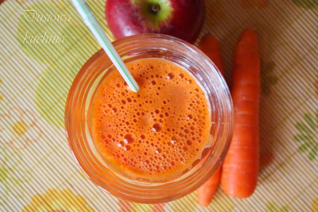 Sok z marchewek i jablek.