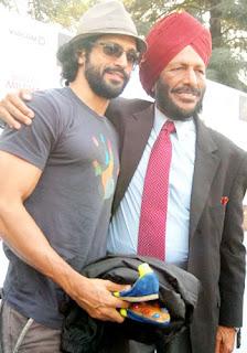 Bhaag Milkha Bhaag Farhan Akhtar with Milkha Singh