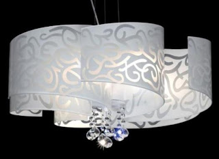 Brigitte 39 s kitchen and home 25 notable chandeliers for Lampadario ventaglio