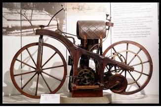 ini dia sejarah penemuan sepeda motor