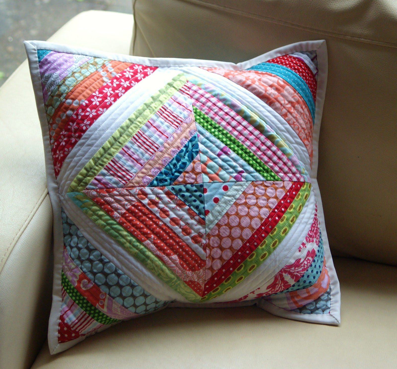 Quilting Patterns For Pillow Covers : The Dining Room Drawers: String Quilt Cushion