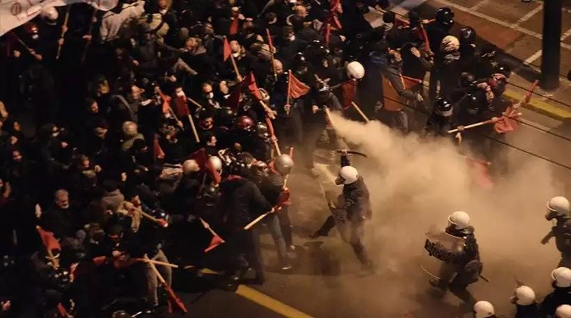 Πάλι έπαιζαν κλέφτες και αστυνόμοι ! αντί να τα κανουν σουρωτήρι  με αληθινά πυρά τα ρυπογόνα διανοητικά αναπηρα!