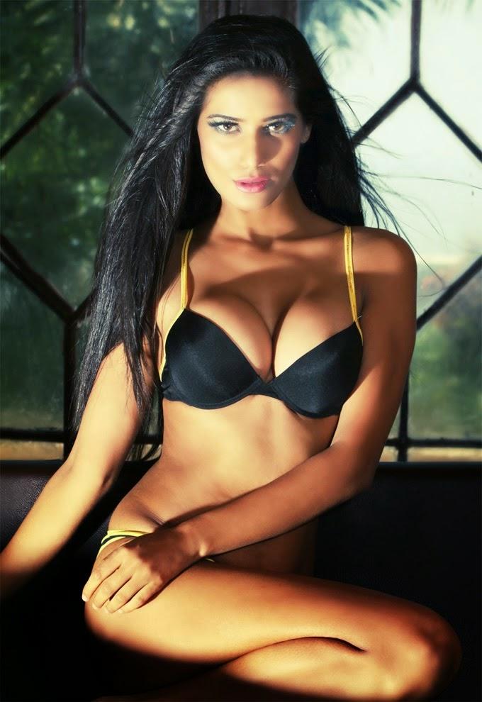 Poonam Pandey in Black and yellow bikini hd wallpapers