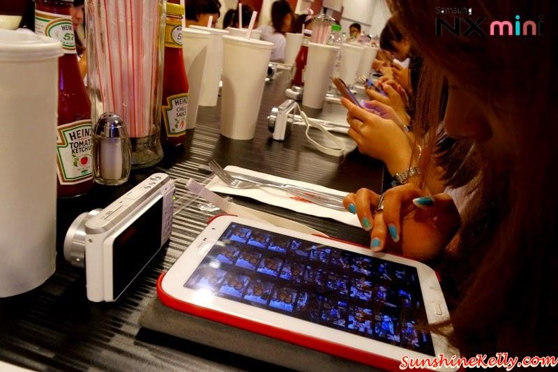 Samsung NX Mini Smart Camera, Photo Marathon Challenge, nfc, wifi, samsung smart camera app, transfer picture, avenue k, johnny rocket's