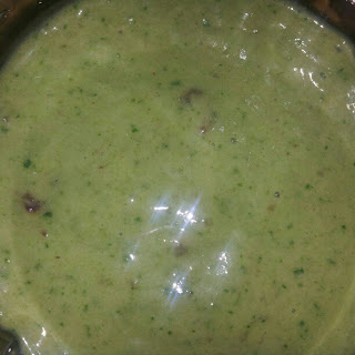 Alazingly delicious kale smoothies with banana, avocado, figs, almond milk