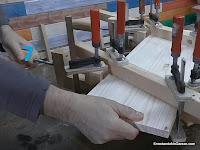 Apretar el sargento de madera largo en 7. www.enredandonogaraxe.com