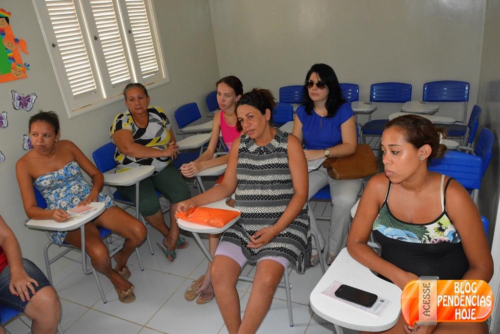 Secretaria de Saúde promove palestra sobre higienização para grupo de gestantes.