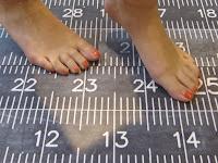 Centimetre Laminatboden barfuss
