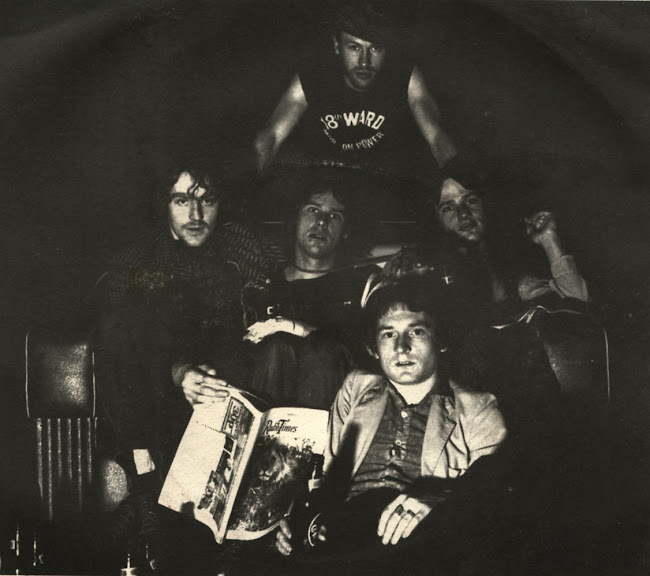 Plummet Airlines - This is the world - 1976 Stiff records The Pogues Darts