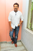 Karthi at Oopiri Pressmeet-thumbnail-7