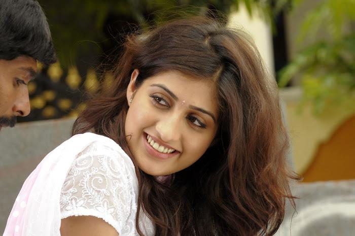 anisha singh from ayyare movie, anisha cute stills